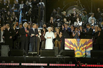 Click image for larger version  Name:Party at the Palace Jun 2002.jpg Views:250 Size:105.9 KB ID:205052
