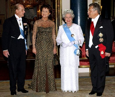 Click image for larger version  Name:State banquet Polish SV may 2004.jpg Views:254 Size:62.3 KB ID:205055