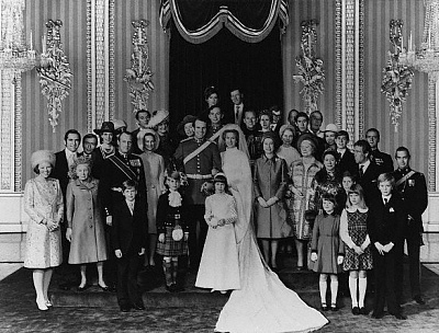Click image for larger version  Name:Corbisanne Anne & Mark wedding.jpg Views:253 Size:167.7 KB ID:205073