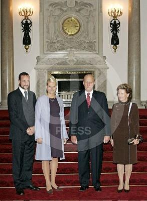 Click image for larger version  Name:Norway_visit_UK_17-UKP.jpg Views:248 Size:52.0 KB ID:205932
