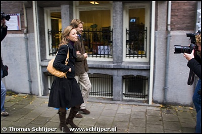 Click image for larger version  Name:051019aimee-sohngen-floris-.jpg Views:275 Size:38.6 KB ID:206242