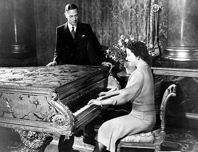 Click image for larger version  Name:King George VI & QE silver wedding 1948.jpg Views:268 Size:135.1 KB ID:207269