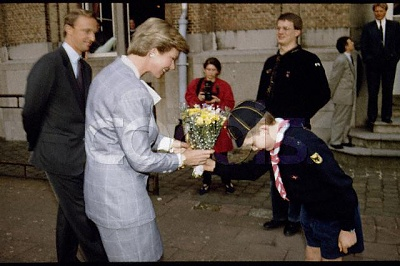 Click image for larger version  Name:Marie Astrid husband Brussels 24.4.1993.jpg Views:452 Size:42.3 KB ID:216097