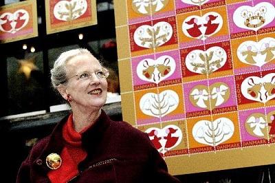 Click image for larger version  Name:Margrethe & julemaerken 2003.JPG Views:286 Size:51.4 KB ID:217682