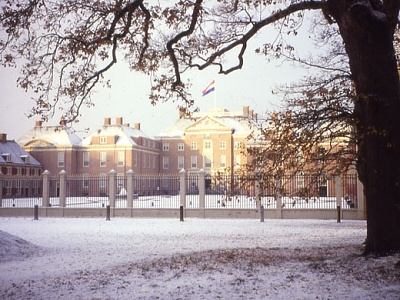 Click image for larger version  Name:Het Loo-1.jpg Views:333 Size:70.6 KB ID:221096