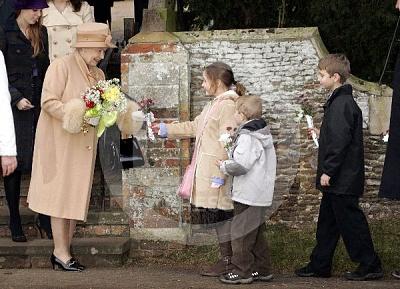 Click image for larger version  Name:Royal_Christmas_16-UKP.jpg Views:184 Size:65.8 KB ID:222088