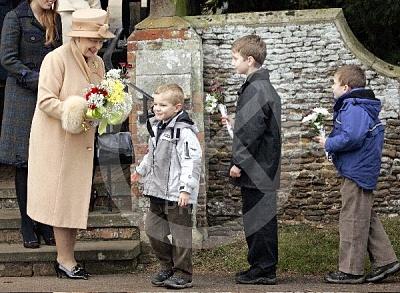 Click image for larger version  Name:Royal_Christmas_17-UKP.jpg Views:167 Size:80.4 KB ID:222089
