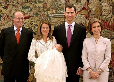 Click image for larger version  Name:2006-01-14-Leonor's Christening(1).jpg Views:356 Size:40.1 KB ID:224174