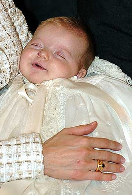 Click image for larger version  Name:2006-01-14-Leonor's Christening(2).jpg Views:833 Size:26.5 KB ID:224175