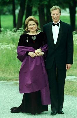 Click image for larger version  Name:Gripsholm, kungaparets silverbröllop 2001.jpg Views:248 Size:130.8 KB ID:230828