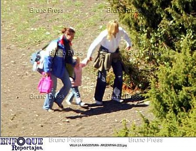 Click image for larger version  Name:angostura royal family n_11.jpg Views:311 Size:32.7 KB ID:235639