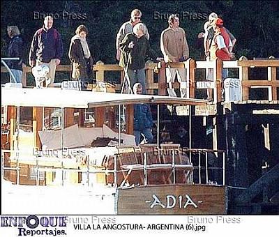 Click image for larger version  Name:angostura royal family n_13.jpg Views:254 Size:39.8 KB ID:235641