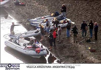 Click image for larger version  Name:angostura royal family ne_8.jpg Views:149 Size:31.4 KB ID:235647