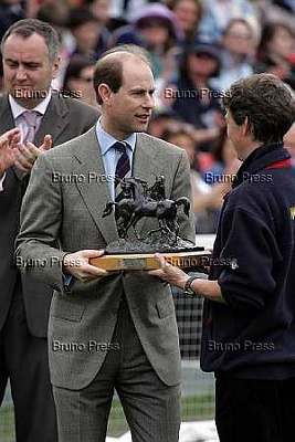 Click image for larger version  Name:Prince_Edward04.jpg Views:89 Size:21.6 KB ID:242658