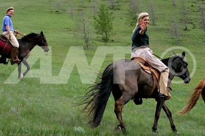 Click image for larger version  Name:Mongolian visit 3.jpg Views:114 Size:34.8 KB ID:250096
