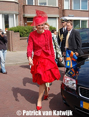 Click image for larger version  Name:clothes_her_royal_higness_princess_maxima.jpg Views:479 Size:176.0 KB ID:250370