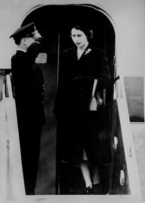 Click image for larger version  Name:London, fr Kenya, ef GVIs död, feb 1952.jpg Views:216 Size:20.5 KB ID:251719
