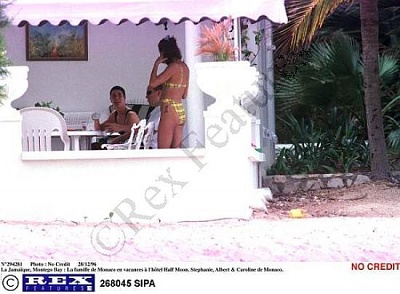Click image for larger version  Name:Family_Holiday_3.JPG Views:1260 Size:37.2 KB ID:2568