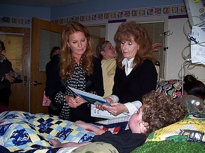 Click image for larger version  Name:SARAH DUCHESS OF YORK, RYAN & TERRY.jpg Views:172 Size:91.3 KB ID:260458