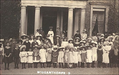 Click image for larger version  Name:lady mary and wigganthorpe children.jpg Views:147 Size:73.1 KB ID:261457