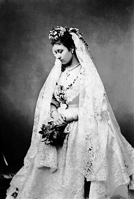 Click image for larger version  Name:Princess Louise on her wedding day 1871.jpg Views:7845 Size:81.7 KB ID:262418