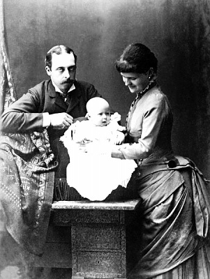 Click image for larger version  Name:Prince Leopold and family.jpg Views:3257 Size:64.6 KB ID:262432