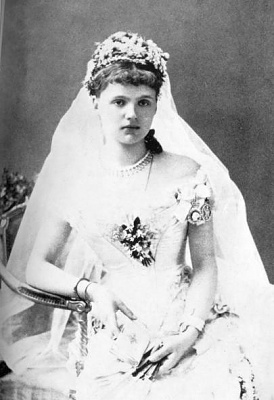 Click image for larger version  Name:Albany Princess Helene Waldeck & Pyrmont wedding 1882.jpg Views:2346 Size:31.3 KB ID:262893