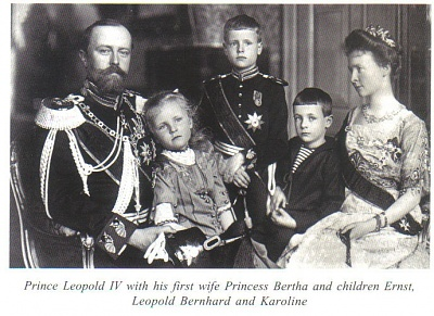 Click image for larger version  Name:Lippe Leopold IV and Family.jpg Views:2163 Size:119.7 KB ID:265607