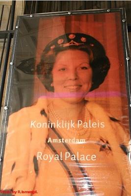 Click image for larger version  Name:Sail 2005 - Palace op de Dam 1288.jpg Views:328 Size:61.0 KB ID:266897