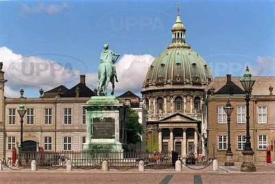 Click image for larger version  Name:Amalienborg 03.JPG Views:484 Size:58.9 KB ID:267641