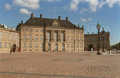 Click image for larger version  Name:Amalienborg 06.JPG Views:448 Size:50.0 KB ID:267644