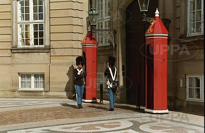 Click image for larger version  Name:Amalienborg 10.JPG Views:438 Size:49.9 KB ID:267648