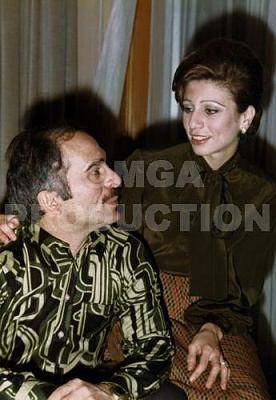Click image for larger version  Name:alia&king hussein.jpg Views:2673 Size:29.7 KB ID:274734