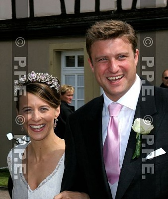Click image for larger version  Name:H-L Wedding Aug06 Princess Xenia & Max Soltmann1.jpg Views:3423 Size:34.9 KB ID:276740