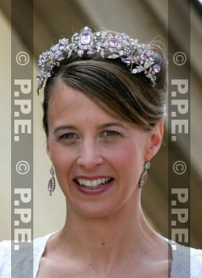 Click image for larger version  Name:H-L Wedding Aug06 Princess Xenia.jpg Views:1265 Size:30.4 KB ID:276741