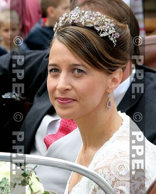 Click image for larger version  Name:H-L Wedding Aug06 Princess Xenia2.jpg Views:2587 Size:41.5 KB ID:276743