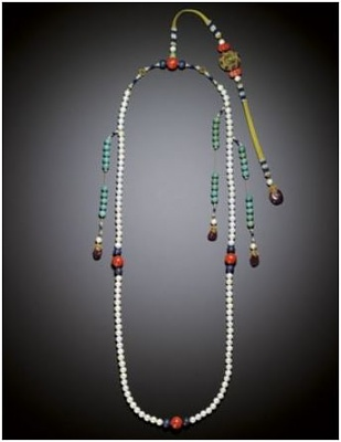 Click image for larger version  Name:Qing Emperor's pearl necklace 1.jpg Views:555 Size:22.9 KB ID:280202