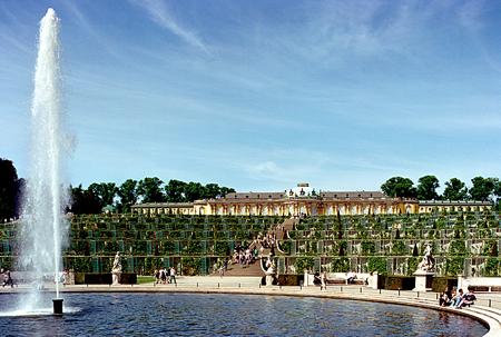 Click image for larger version  Name:Potsdam Schloss Sanssouci 1.jpg Views:114 Size:195.9 KB ID:280207