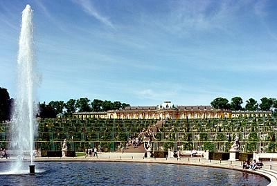 Click image for larger version  Name:Potsdam Schloss Sanssouci 1.jpg Views:232 Size:195.9 KB ID:280207
