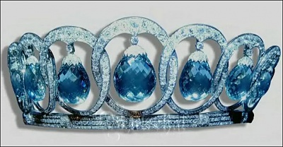 Click image for larger version  Name:Spain Queen Ena Aquamarine tiara, remodelled, now Torlonia.jpg Views:1573 Size:62.6 KB ID:280420
