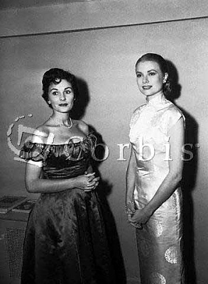 Click image for larger version  Name:GraceAndJeanSimmons.jpg Views:441 Size:24.3 KB ID:28069