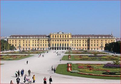 Click image for larger version  Name:Schönbrunn 2.jpg Views:208 Size:123.6 KB ID:283115