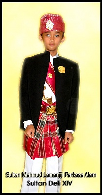 Click image for larger version  Name:Tuanku sunat copy.jpg Views:1496 Size:105.1 KB ID:283964
