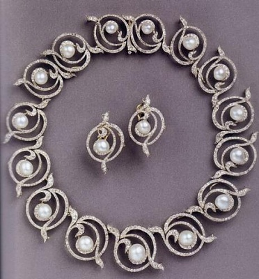 Click image for larger version  Name:Necklace Kent Snake, also tiara (sold). From Pcess Nicholas of Greece.jpg Views:257 Size:41.2 KB ID:284829