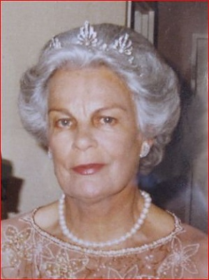 Click image for larger version  Name:Liechtenstein Princess Karoline unk tiara.jpg Views:1661 Size:27.2 KB ID:286270