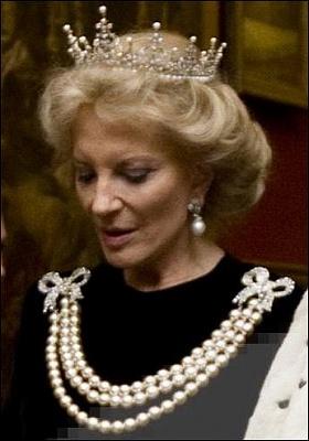 Click image for larger version  Name:Kent Princess Michael Guildhall Banquet Nov2011.jpg Views:4981 Size:35.0 KB ID:286338