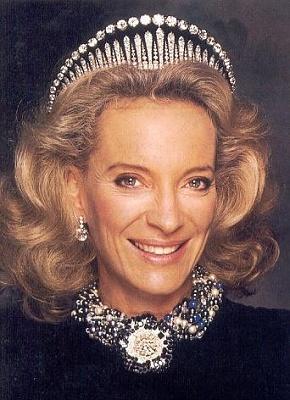 Click image for larger version  Name:UK Kent London Fringe Tiara, Princess Michael.jpg Views:693 Size:106.9 KB ID:286347