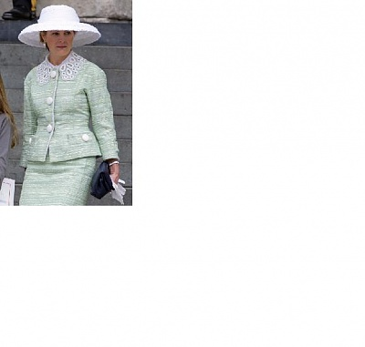 Click image for larger version  Name:serena linley jubilee.jpg Views:199 Size:21.1 KB ID:287027