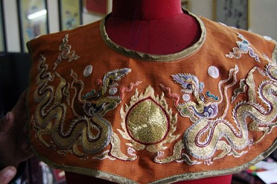 Click image for larger version  Name:Gown of a Nguyen King's wife.jpg Views:273 Size:46.5 KB ID:287162