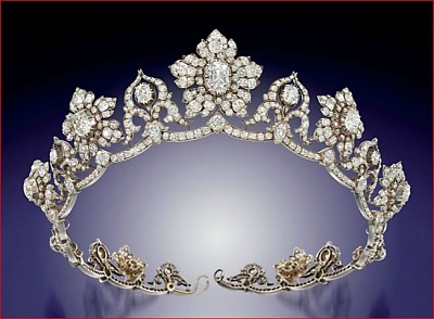 Click image for larger version  Name:Conyngham Diamond Tiara, pink diamond centre c1850s.jpg Views:1173 Size:56.3 KB ID:287291